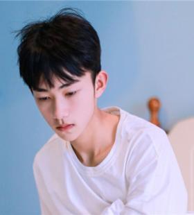 干净帅气的韩国男生头像图片