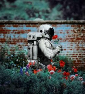 微信QQ最火太空人浪漫的QQ把你归还给人海是清醒也是知趣头像