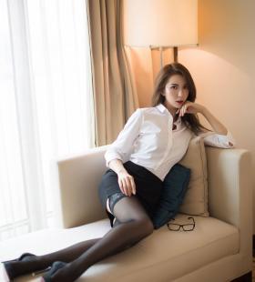 前凸后翘的办公室美女秘书诱人小翘臀让人血脉贲张图片写真