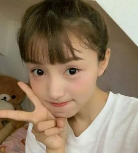 2020年最流行的女生头像_高清女生真人头像大全