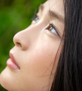 让影迷撸出血的日本美女本庄铃性感写真套图