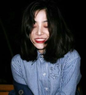 微笑的女生头像2020精选图片下载