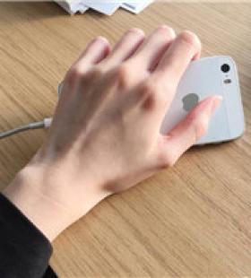 qq群帅哥修长美手头像12月热门的手控头像大全