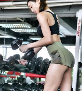 马来西亚美女李元玲翘臀诱人写真图