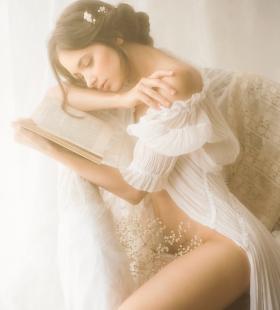 乌克兰美女真空上阵极致诱惑人体艺术写真