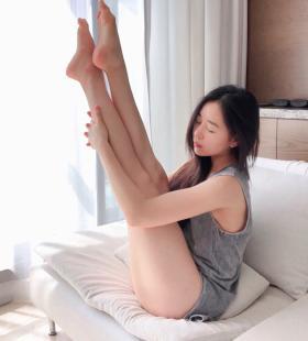 瑜伽美少女前凸后翘诱人身材勾人欲火写真