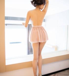 性感美女芝芝Booty真空美乳超短裙极致诱惑销魂写真
