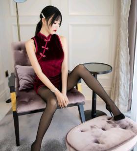 性感美女杨晨晨诱人旗袍勾勒出完美身材私房高清美图写真