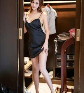 性感吊带美女Lavinia丝袜脚诱惑私房高清写真美图