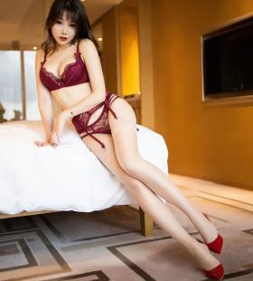 旗袍性感美女芝芝Booty巨乳诱惑床上搔首弄姿娇躯销魂私房写真