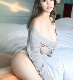 性感美女生如夏花豪乳诱惑胸前沟壑勾人浴火高清写真图