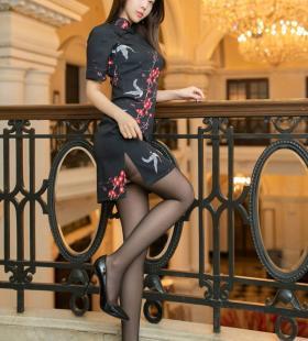 性感黑丝旗袍高颜值美女夏诗诗Sally脱衣服写真图片