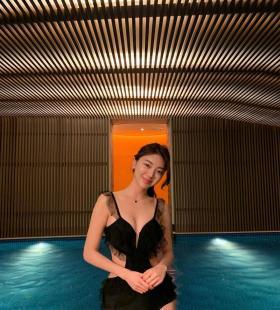 韩国性感美女4ranghj吊带泳衣露胸高清图片