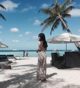 韩国人气女模特孙允珠海滩风光火热身材性感迷人写真