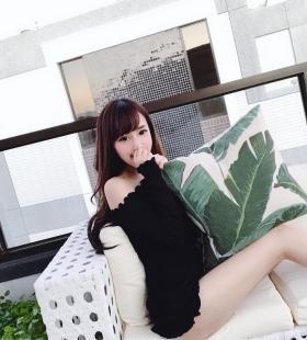 台湾性感巨乳美女模特Elle怡葶露胸诱惑高清写真图片