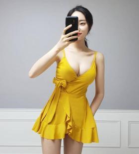 韩国美女coco_shiloh大胸迷人超短裙性感写真