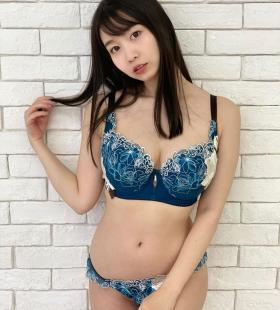 AV女优梦乃爱华G罩杯身材性感内衣写真