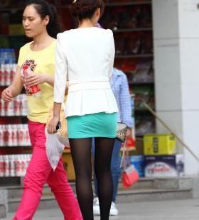 街拍性感美女OL丝袜短裙少妇诱人写真图片
