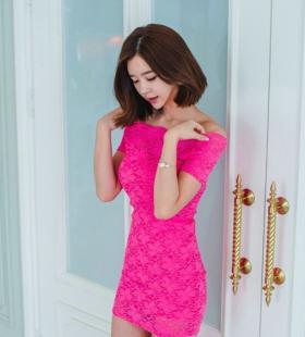 韩国气质女神靓丽红色蕾丝包臀裙性感诱惑写真图片