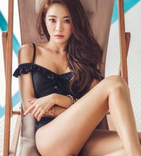 韩国气质嫩模泳装身材火辣爆乳翘臀性感诱人写真图片