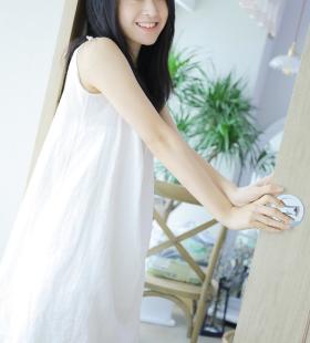 清纯可人的气质美女私房高清写真壁纸图片