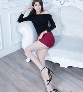 一字肩红色包臀裙美女长腿诱人私房高清图片写真壁纸