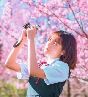 学生制服美女李璐唯美户外街拍写真图片壁纸