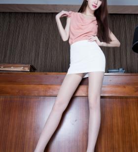 长腿美女Stephy制服诱惑性感美腿写真精选图片