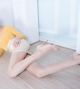 长腿美女腿模美女Dora大胆肉丝高清美女图片