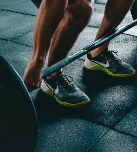 好看肌肉健身型男手机壁纸图片