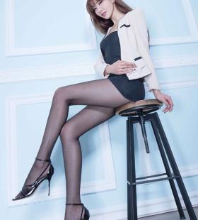 性感黑丝女秘书身材火辣诱人私房写真图片