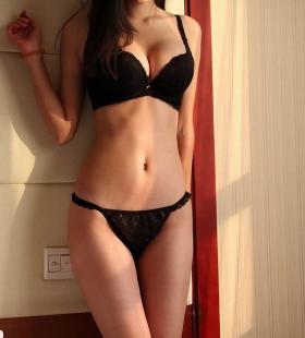 宾馆里的性感巨乳内衣美女林晓夏销魂写真图片