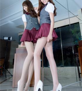 高跟长腿美模超短裙诱惑高清桌面壁纸图片
