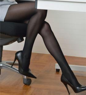 办公室的性感黑丝美女秘书姿势撩人高清写真大全