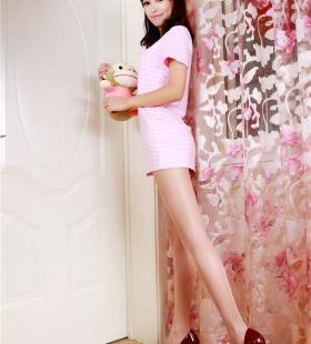 清纯美女模特馨雅肉色丝袜私房写真美图