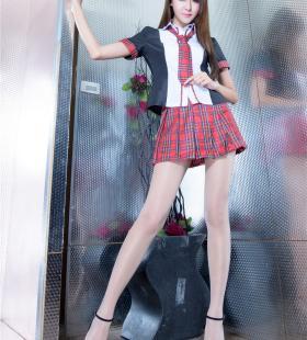 长发美女短裙丝袜高跟鞋美腿写真图片