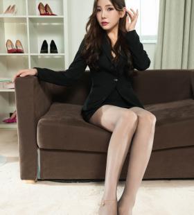 Model李仁《肉丝美腿OL女郎》[丽柜LIGUI]集写真图片