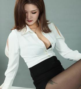 Model文芮《黑丝袜高跟诱惑》[丽柜LIGUI]集写真图片