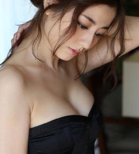 日本熟女明星美女杉本有美美图片写真图片