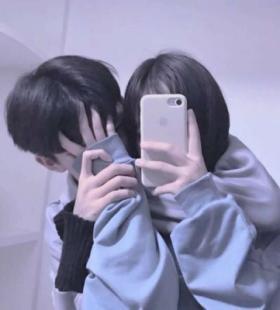 微信QQ恩爱情侣一对拥抱亲吻很甜的情侣合集头像