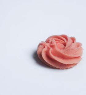 好看的粉色曲奇饼干高清桌面壁纸图片