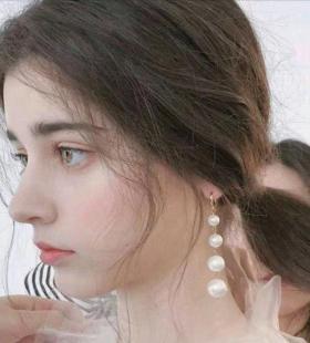全网最火的欧美女生超美自拍头像图片