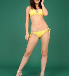 日本性感美女模特永作爱理黄色比基尼造型诱人写真壁纸图片大全