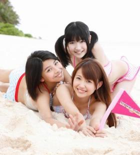 日本比基尼美少女诱人集写真图片
