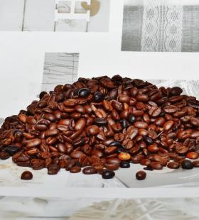 醇香味道浓厚的咖啡豆高清桌面壁纸图片