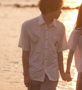 海边的黄昏唯美情侣头像图片