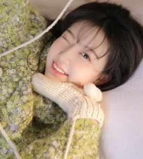 气质可人的毛衣少女唯美私房照写真图片大全