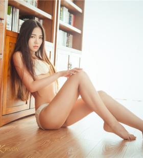 迷人性感的内衣美女晓艾妩媚表情私房诱惑写真图片