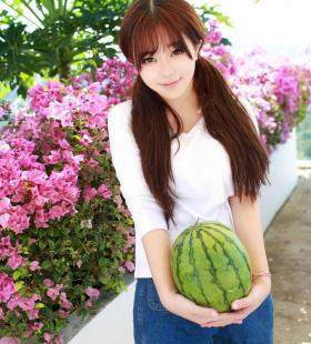 美女模特刘飞儿高清户外唯美写真壁纸图片