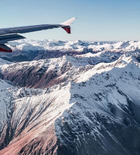 航拍高清雪山自然美景手机壁纸图片大全